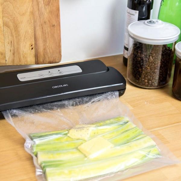 SealVac 110 W. Envasadora de alimentos al vacío con 3 modos de funcionamiento. Automática, vacía y sella, de 110 W y más de 0,8 bar, 637mmHg de presión. Incluye bolsas y rollo gofrado.